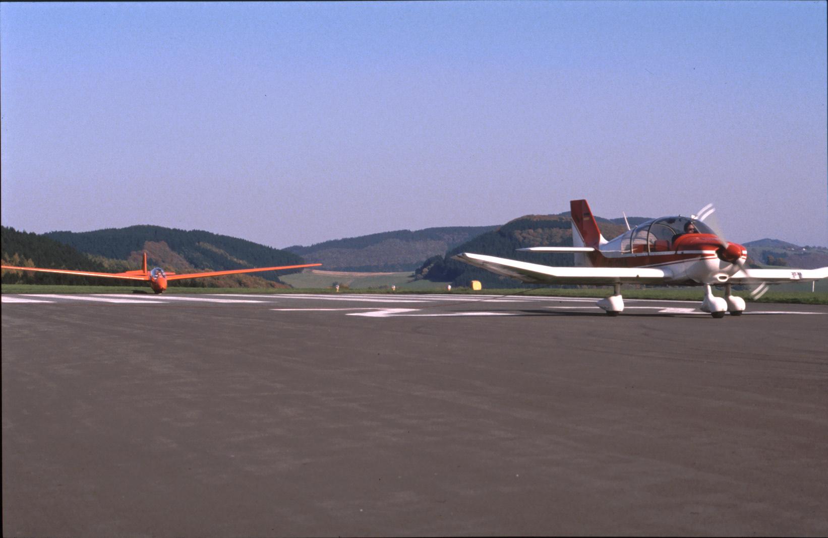 Schleppzug bereit Robin DR400 Remorqueur mit Ka13