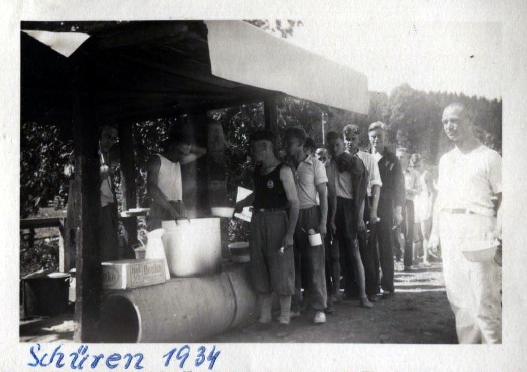 Essen fassen auf Gut Grewe 1934