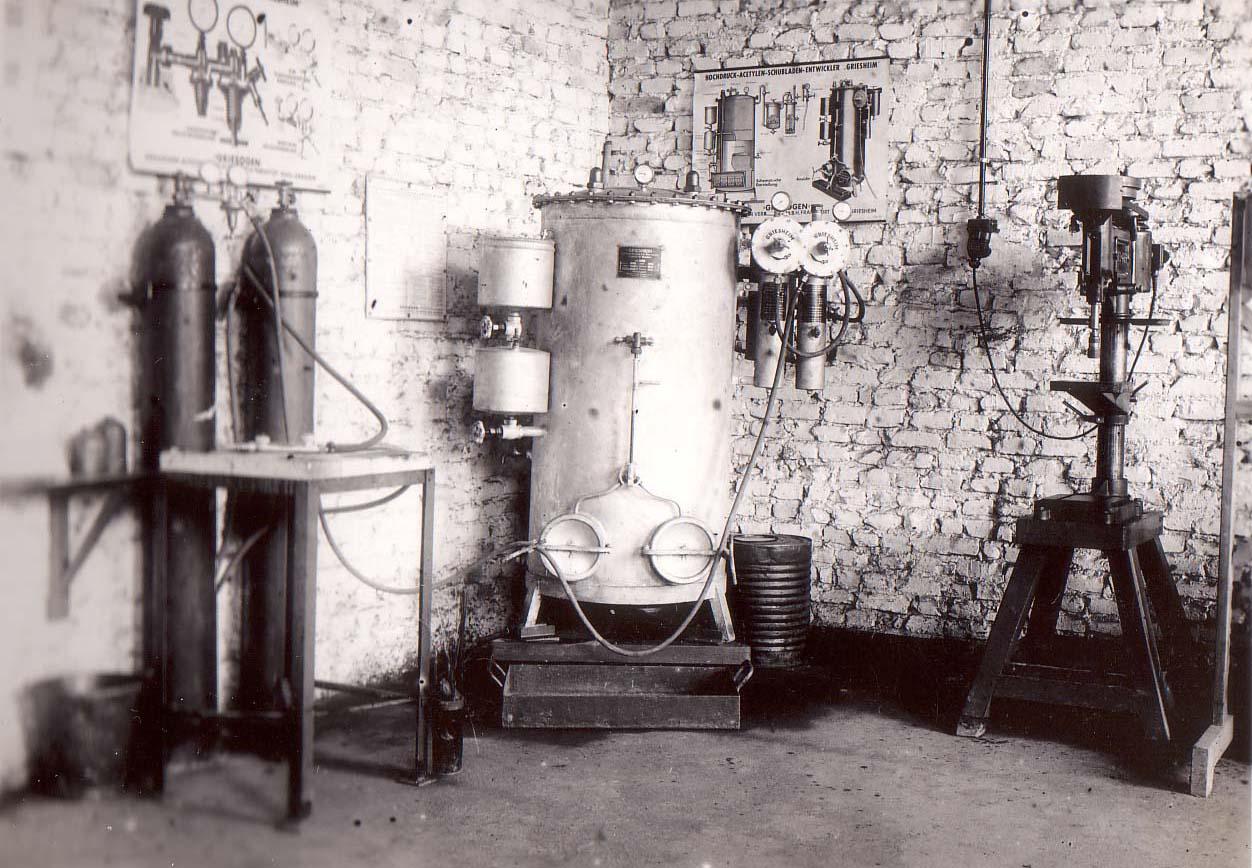 Gasflaschen und Acetylen-Schubladen Entwickler Griesheim.